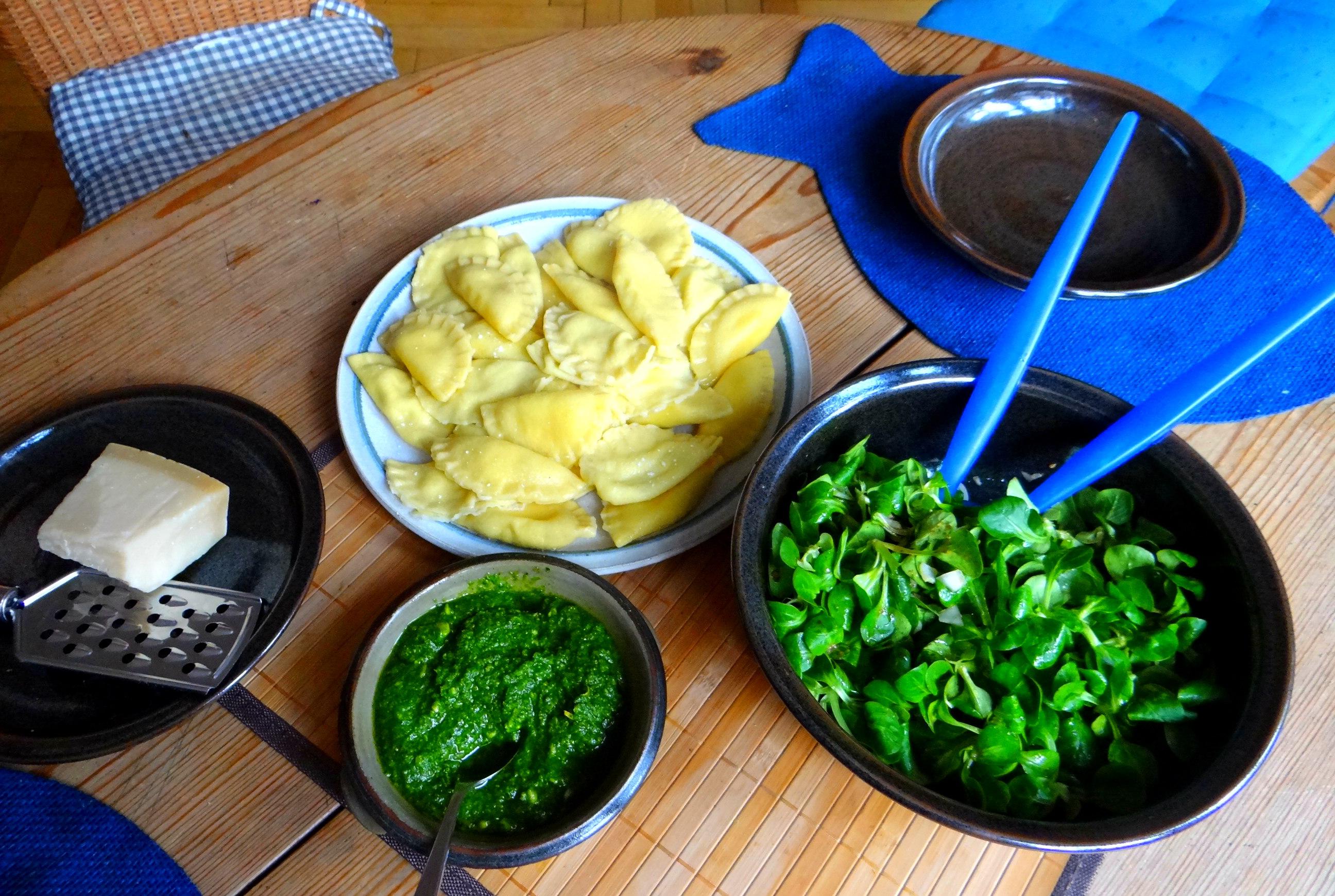 Ravioli,Pesto,fermentierter Knoblauch (4)