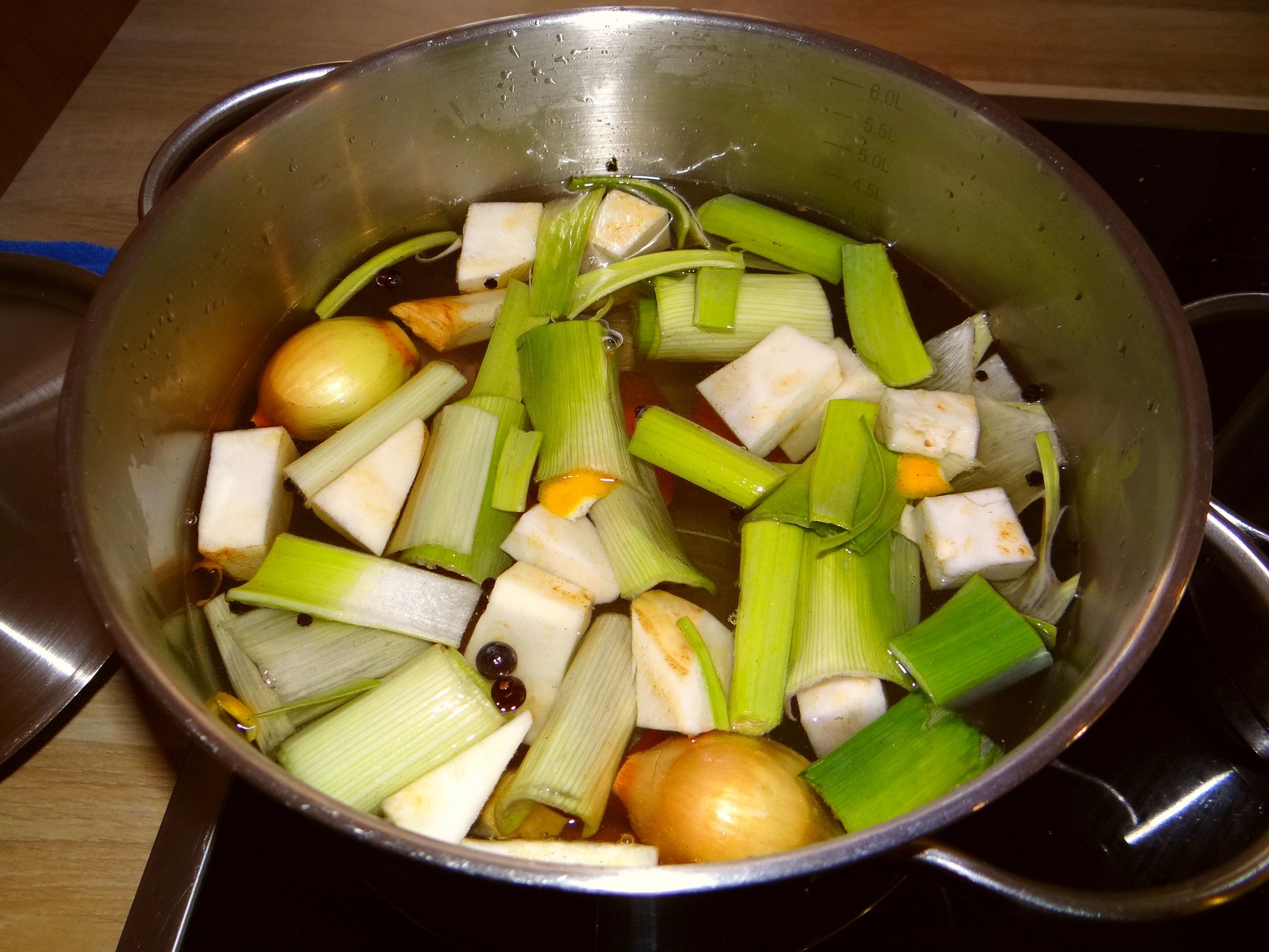 Gemüse-Linsen-Kokossuppe (4)