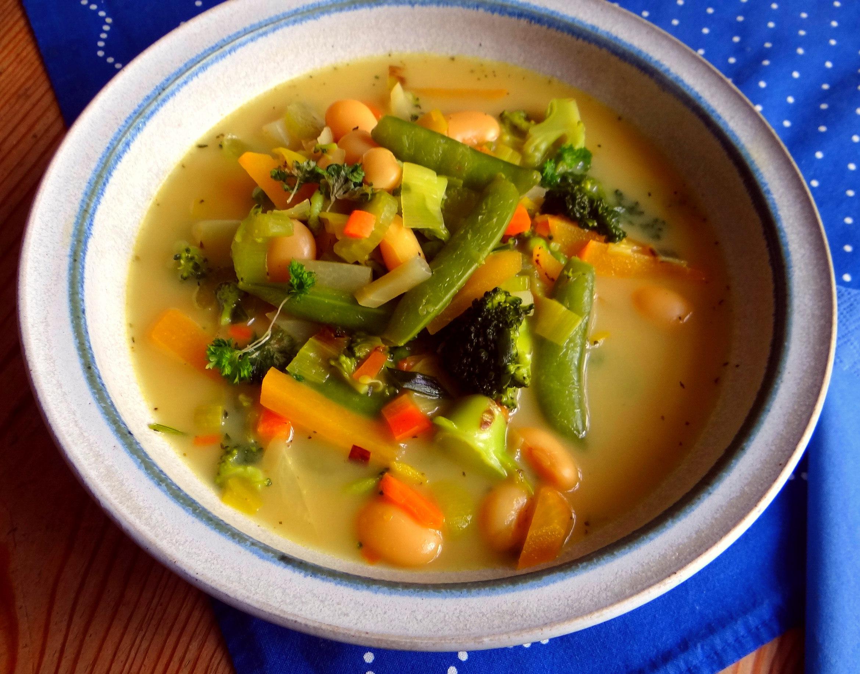 Gemüsesuppe mit weißen Bohnen (15)