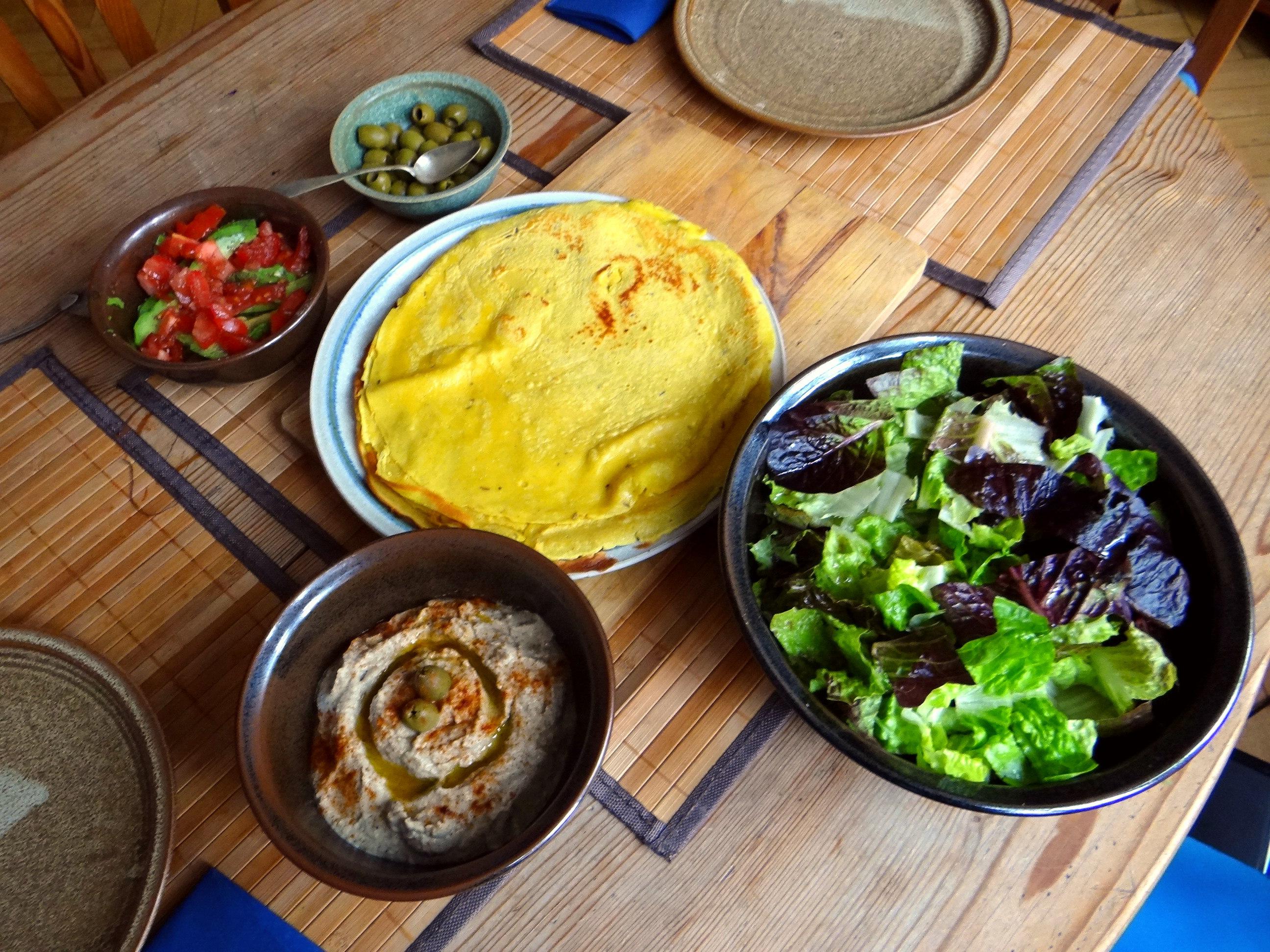 Kichererbsenmehl Pfannkuchen und Baba Ganoush (11)