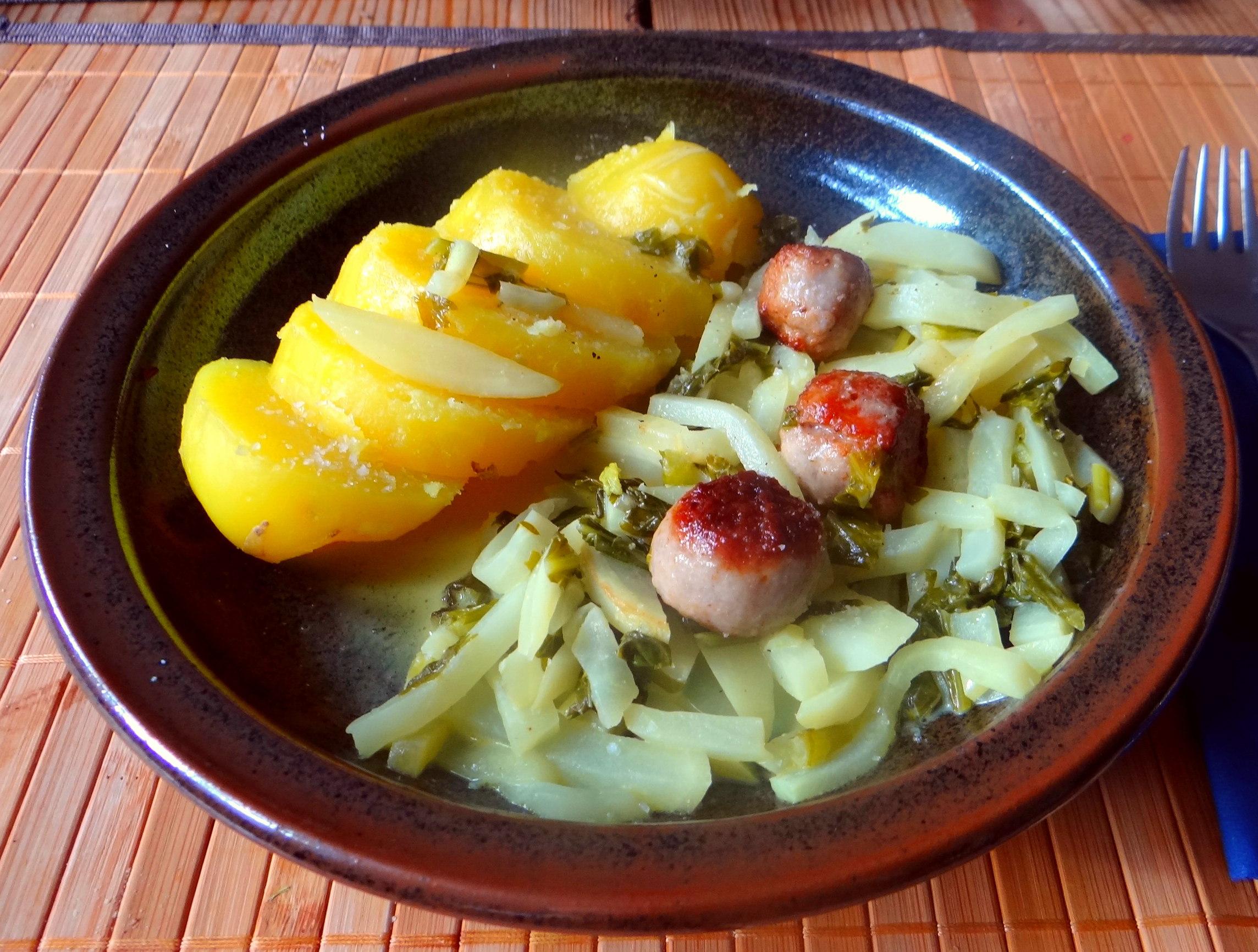 Mairübchen,Mettbällchen,Kartoffeln,Obstsalat (2)