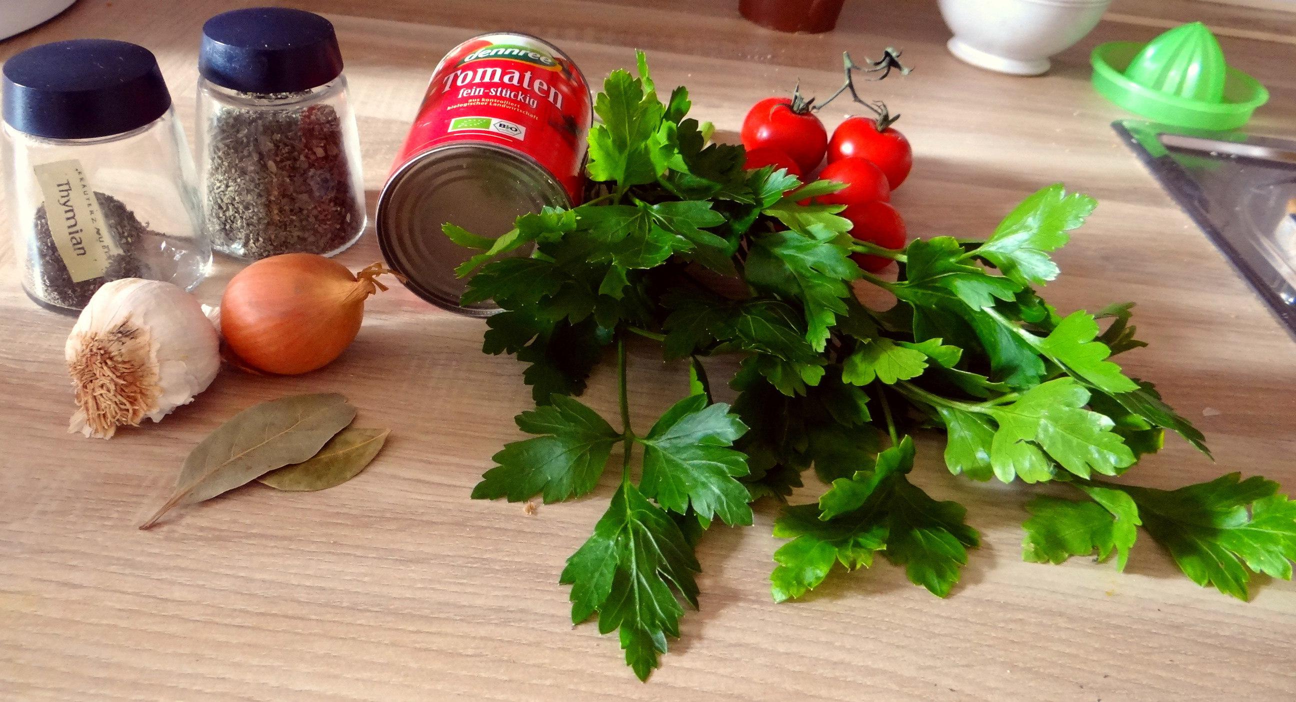 Paprika mit Gnocchi und Tomatensauce (1f)