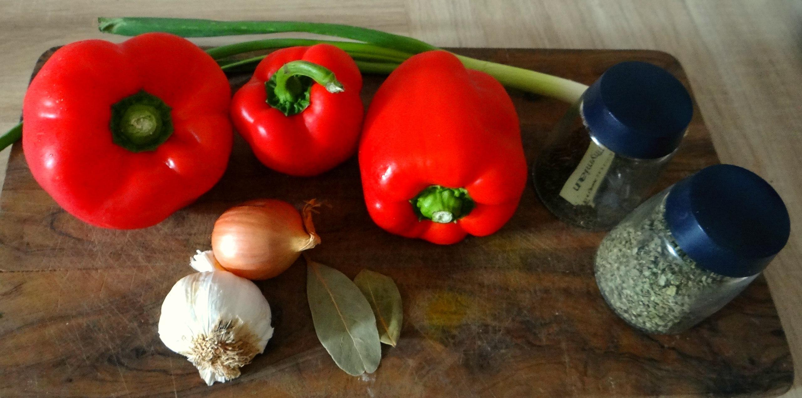 Paprika mit Gnocchi und Tomatensauce (2)