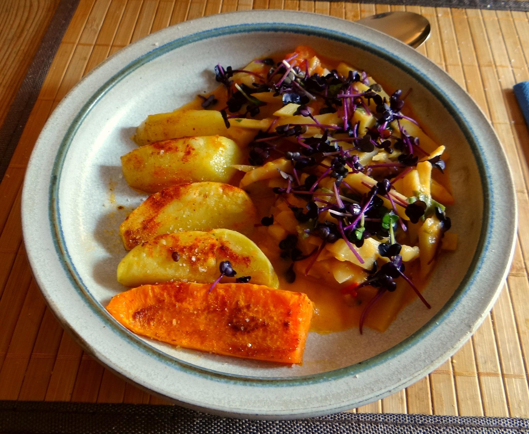 Pastinaken,Ofenkartoffeln,Obstsalat (14)
