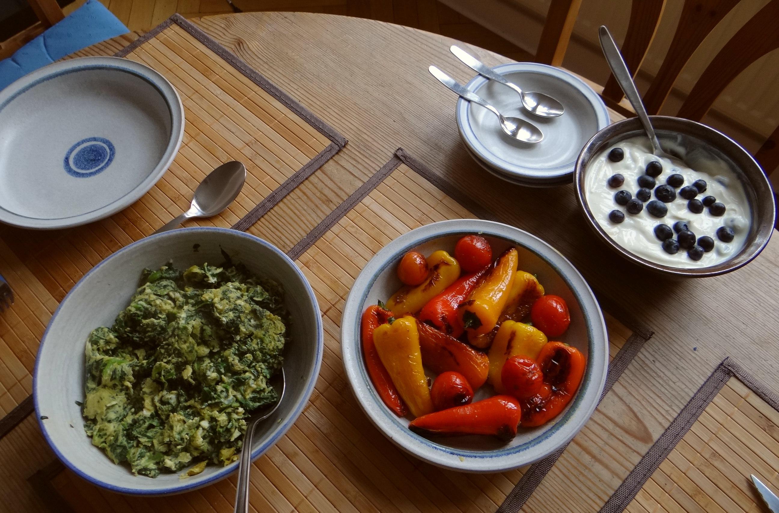 Spinat,Rührei,Paprika,Pellkartoffen (9)