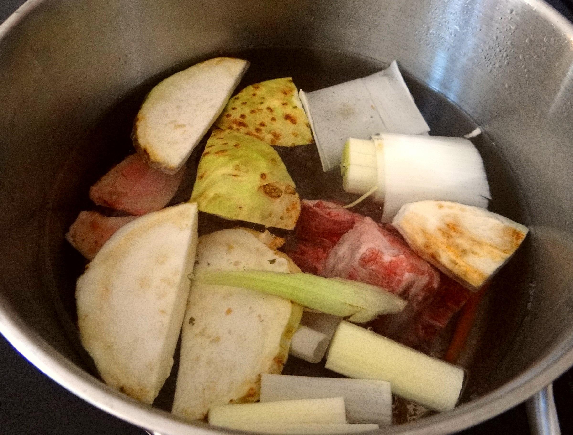 Bouillionkartoffeln, Feldsalat, Zwiebelringe, Kleines Gemüse (5)