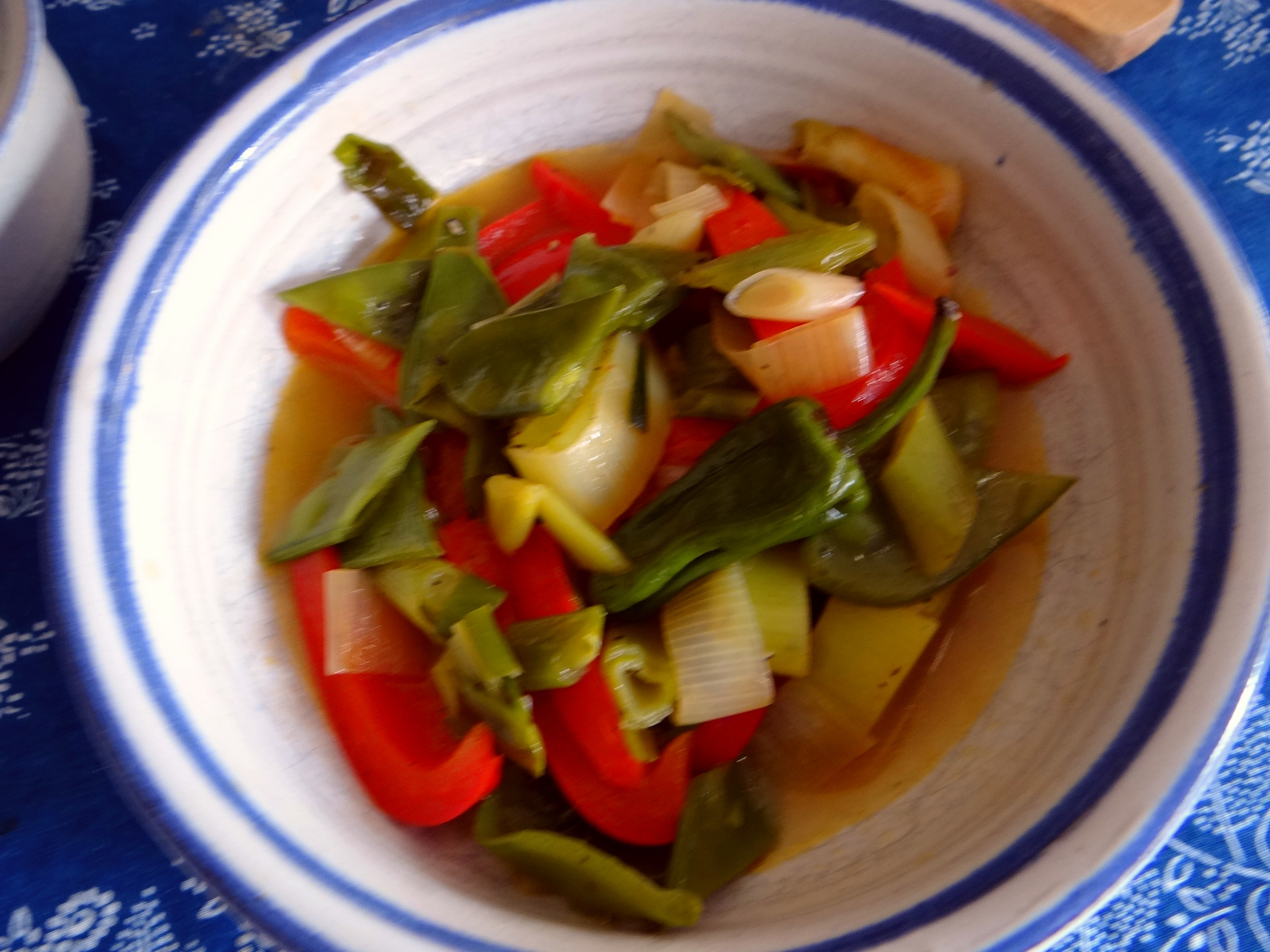 Bouillionkartoffeln, Feldsalat, Zwiebelringe, Kleines Gemüse (8)