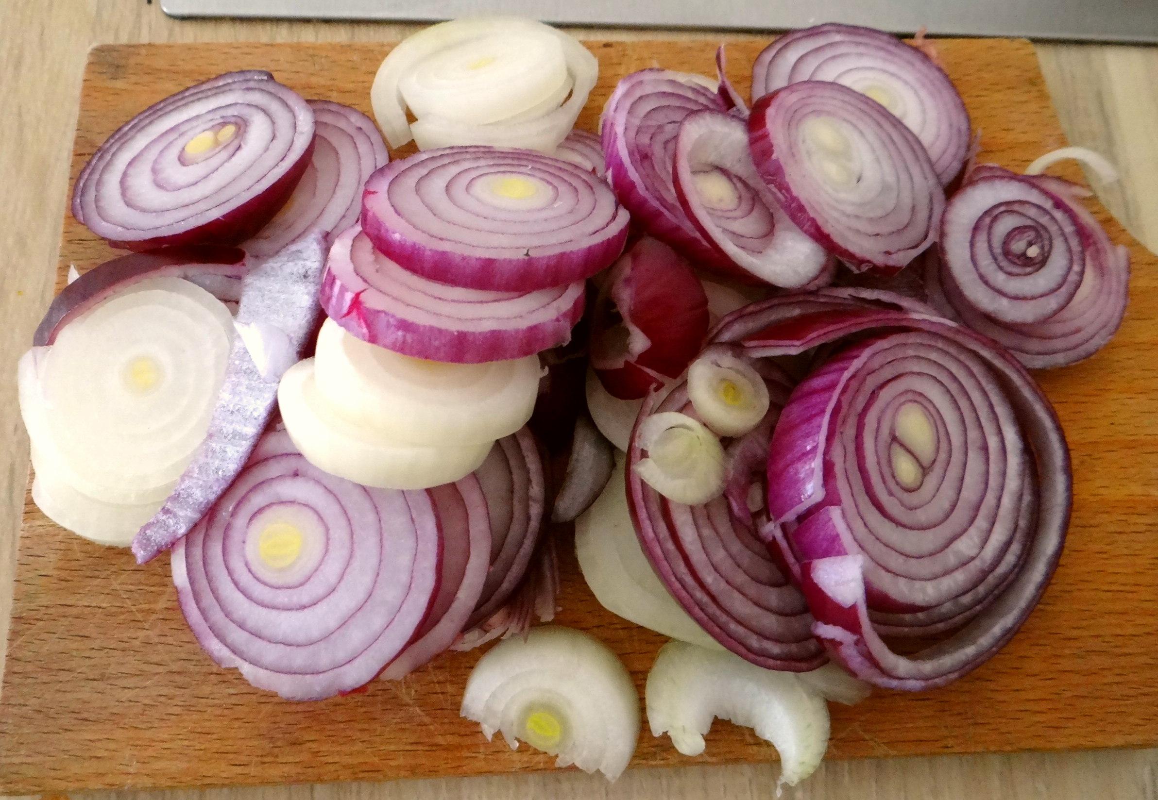 Bouillionkartoffeln, Feldsalat, Zwiebelringe, Kleines Gemüse (9)