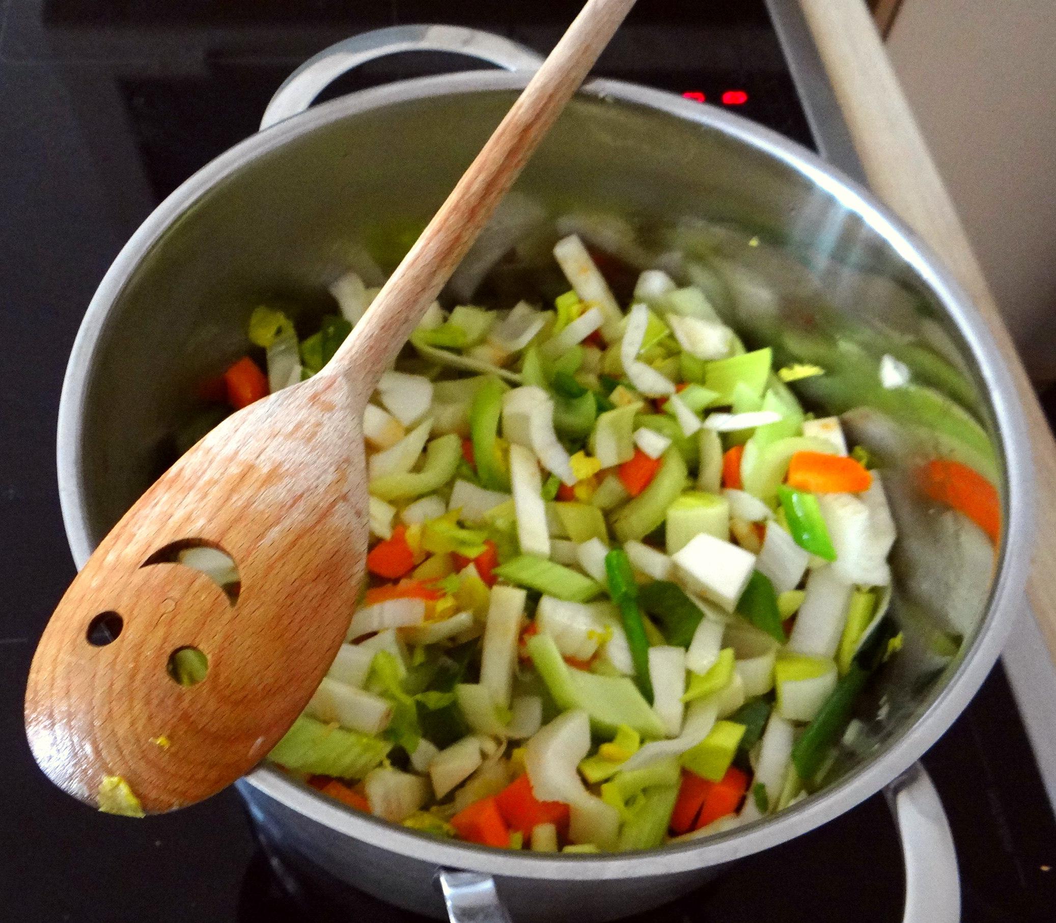 Gemüsesuppe püriert mit Spinat (1f (7)