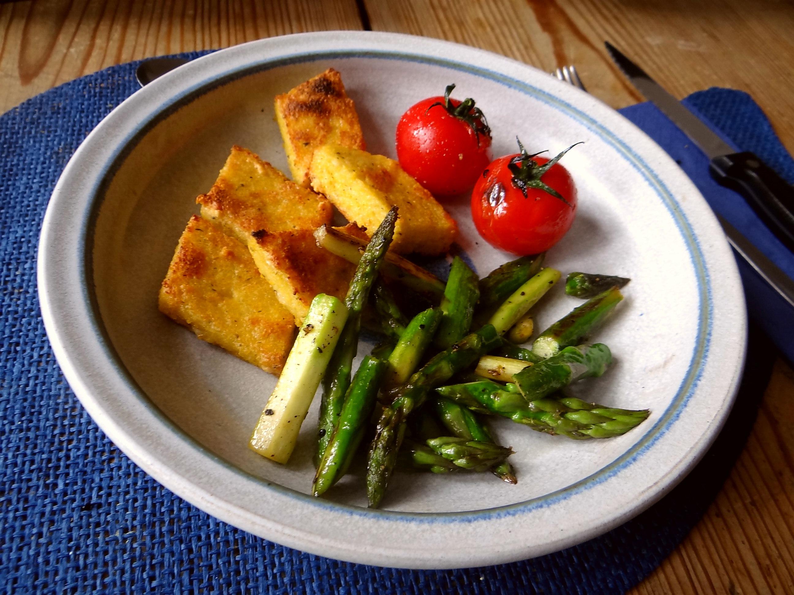 Grüner Spargel,Tomaten und Polenta (12)