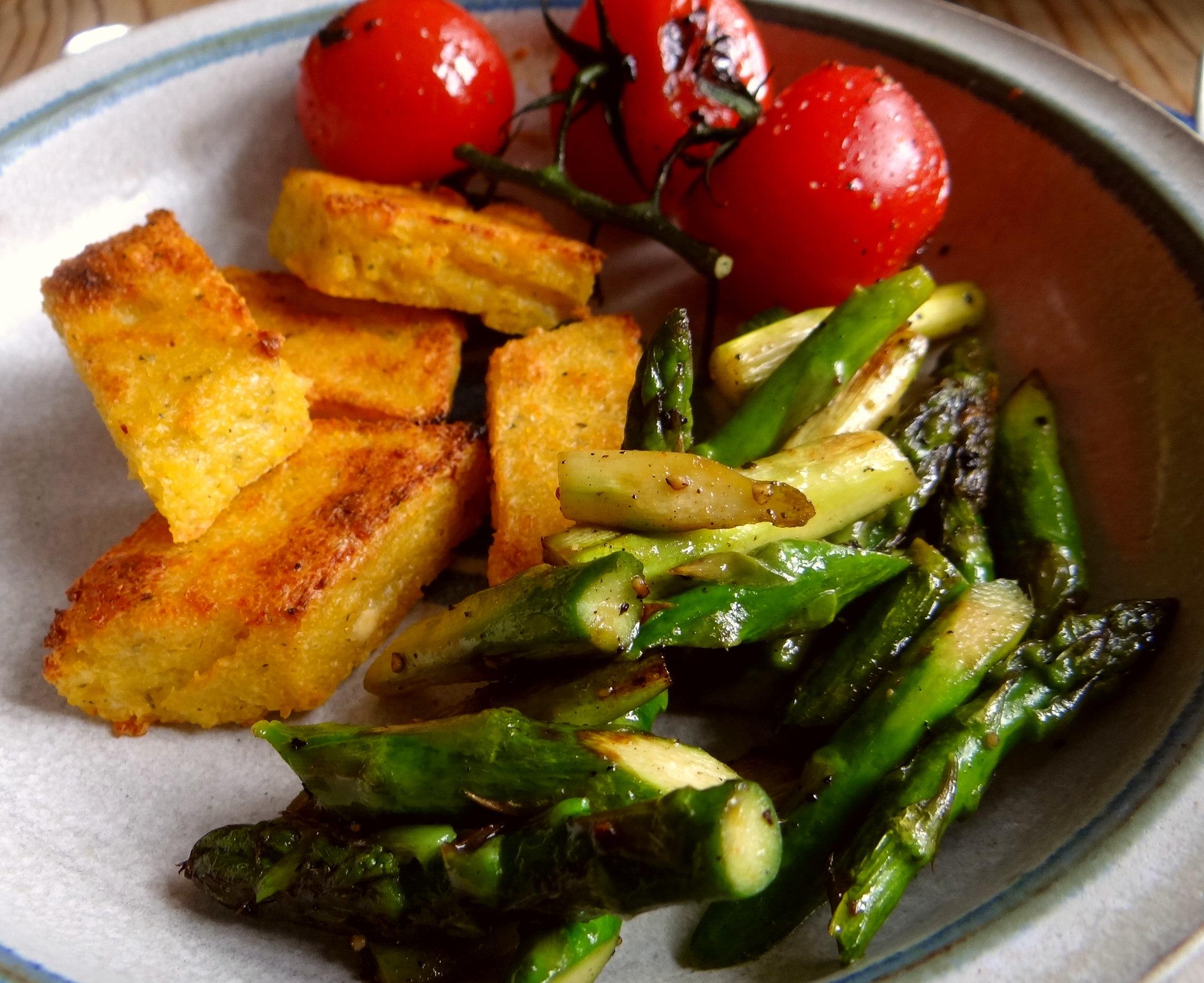 Grüner Spargel,Tomaten und Polenta (3)