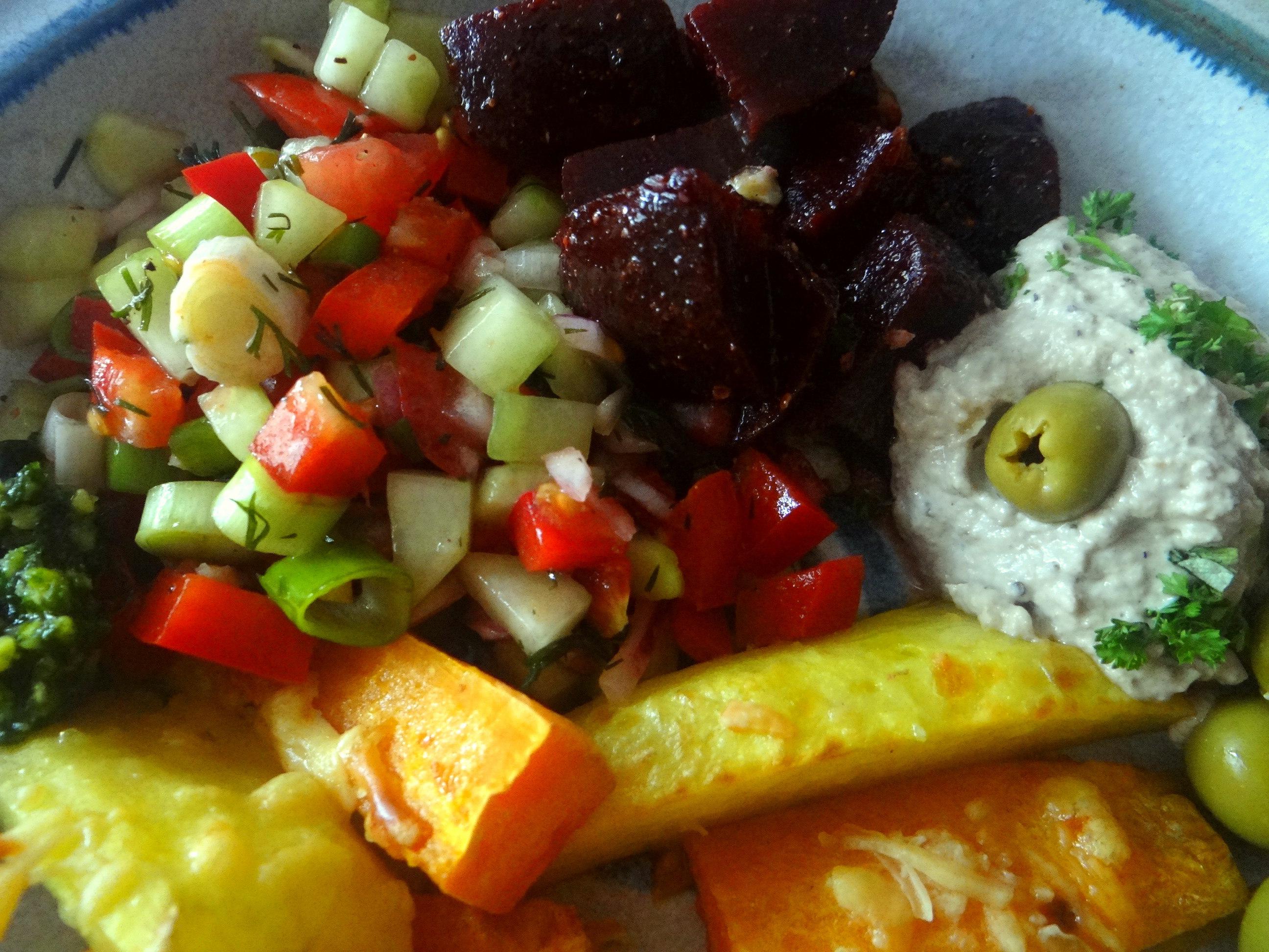 Israelischer Salat und Ofenkartoffeln (16)
