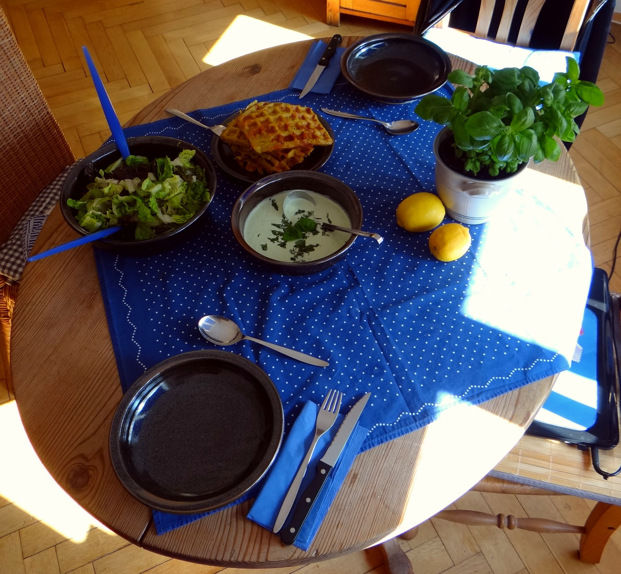 Käsewaffel mit zitronen Feta Creme (4)
