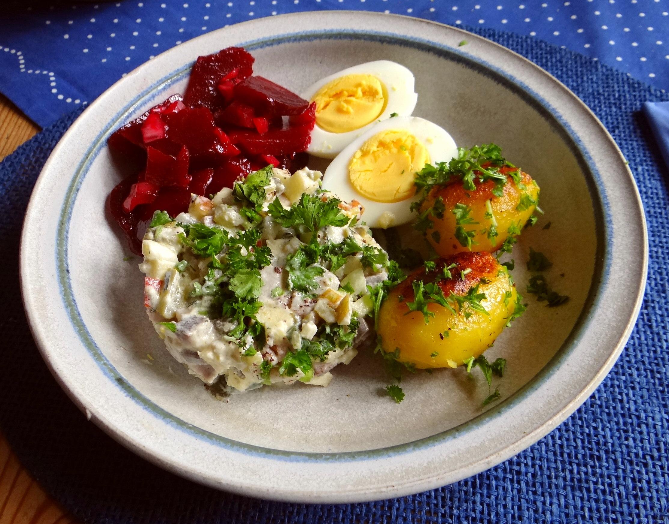Matjes Tatar und Petersilienkartoffeln (15)