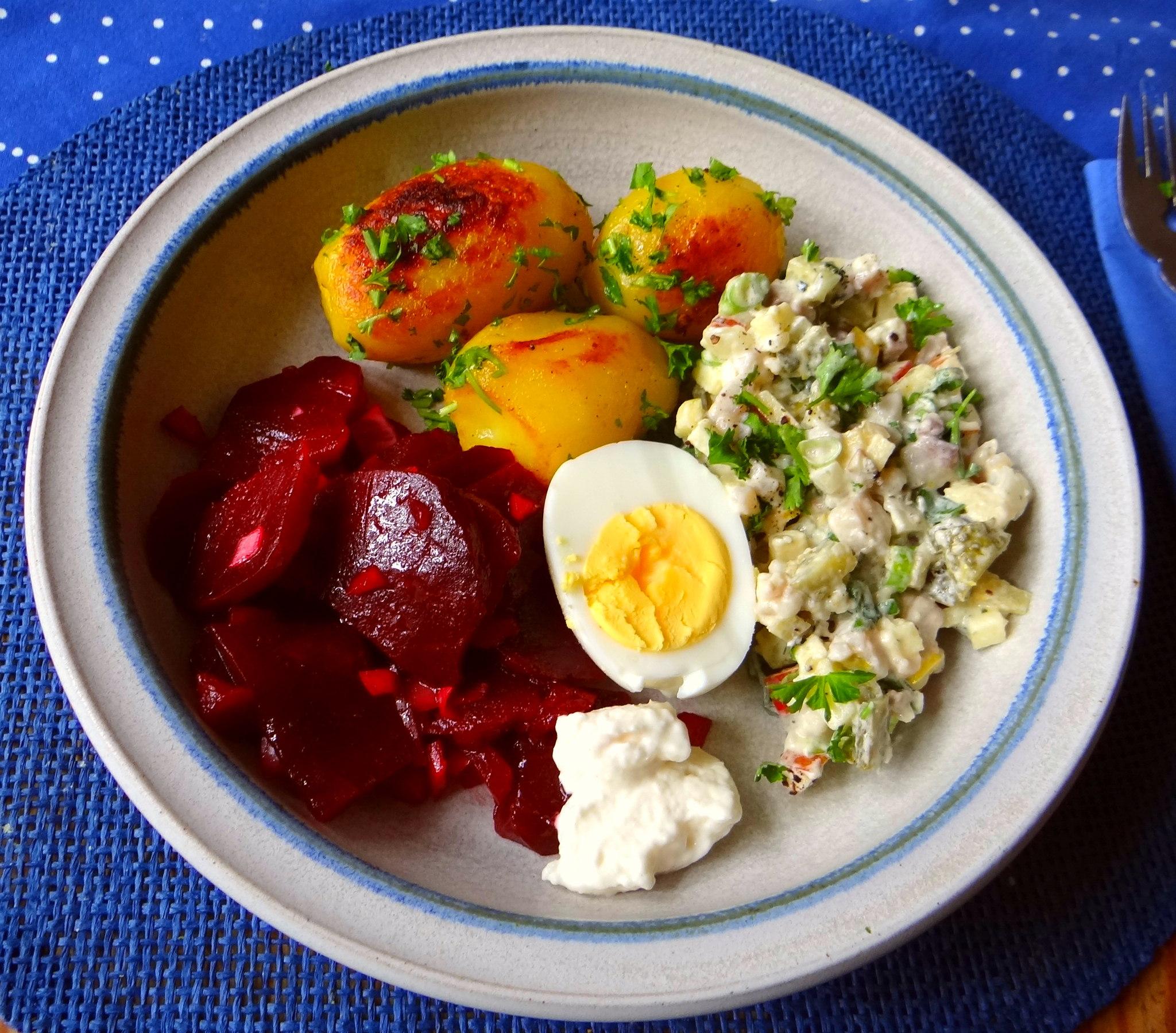 Matjes Tatar und Petersilienkartoffeln (2)