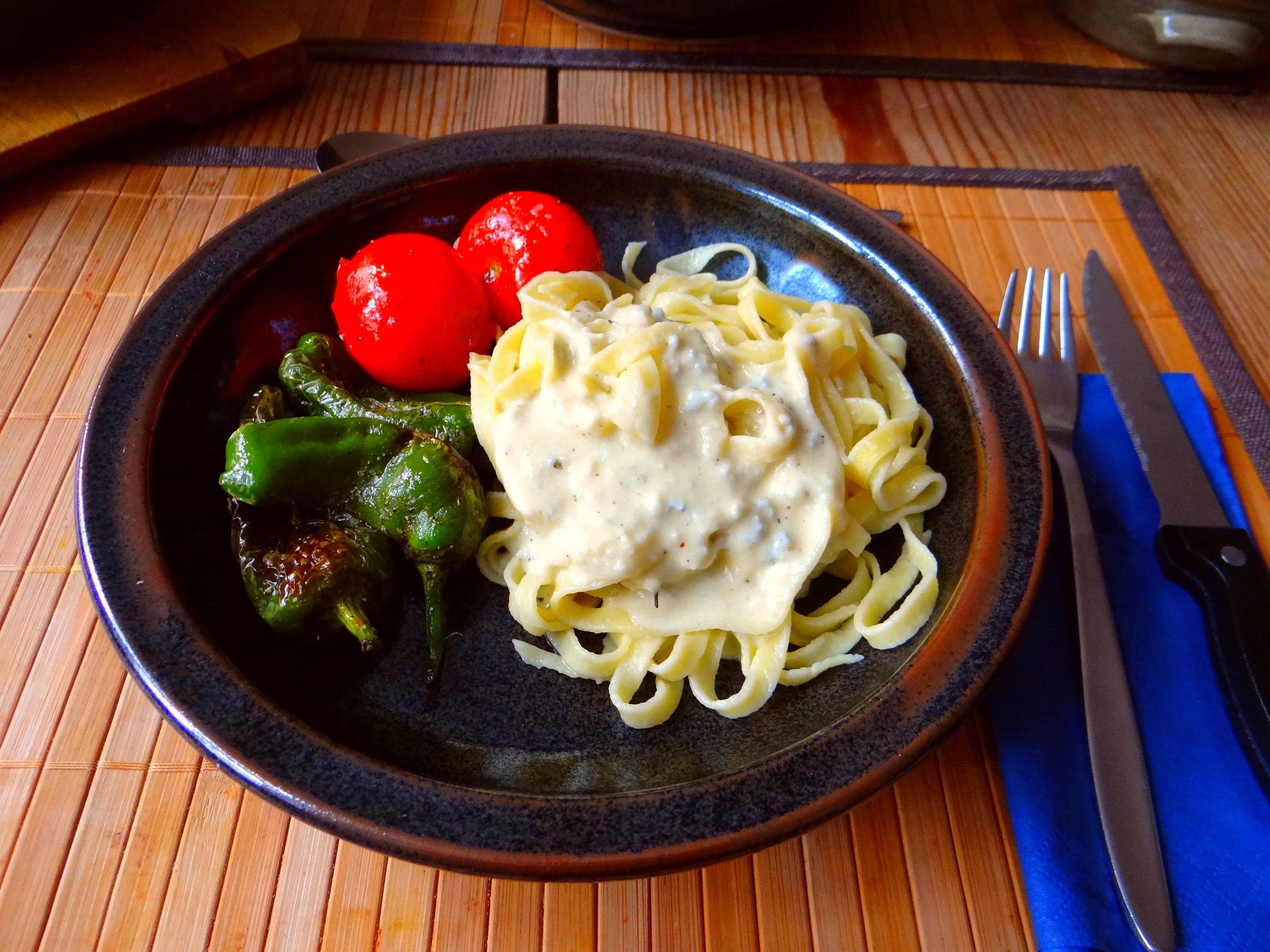 Selbstgemachte Nudeln,Gorgonzola Sauce 1 (13)