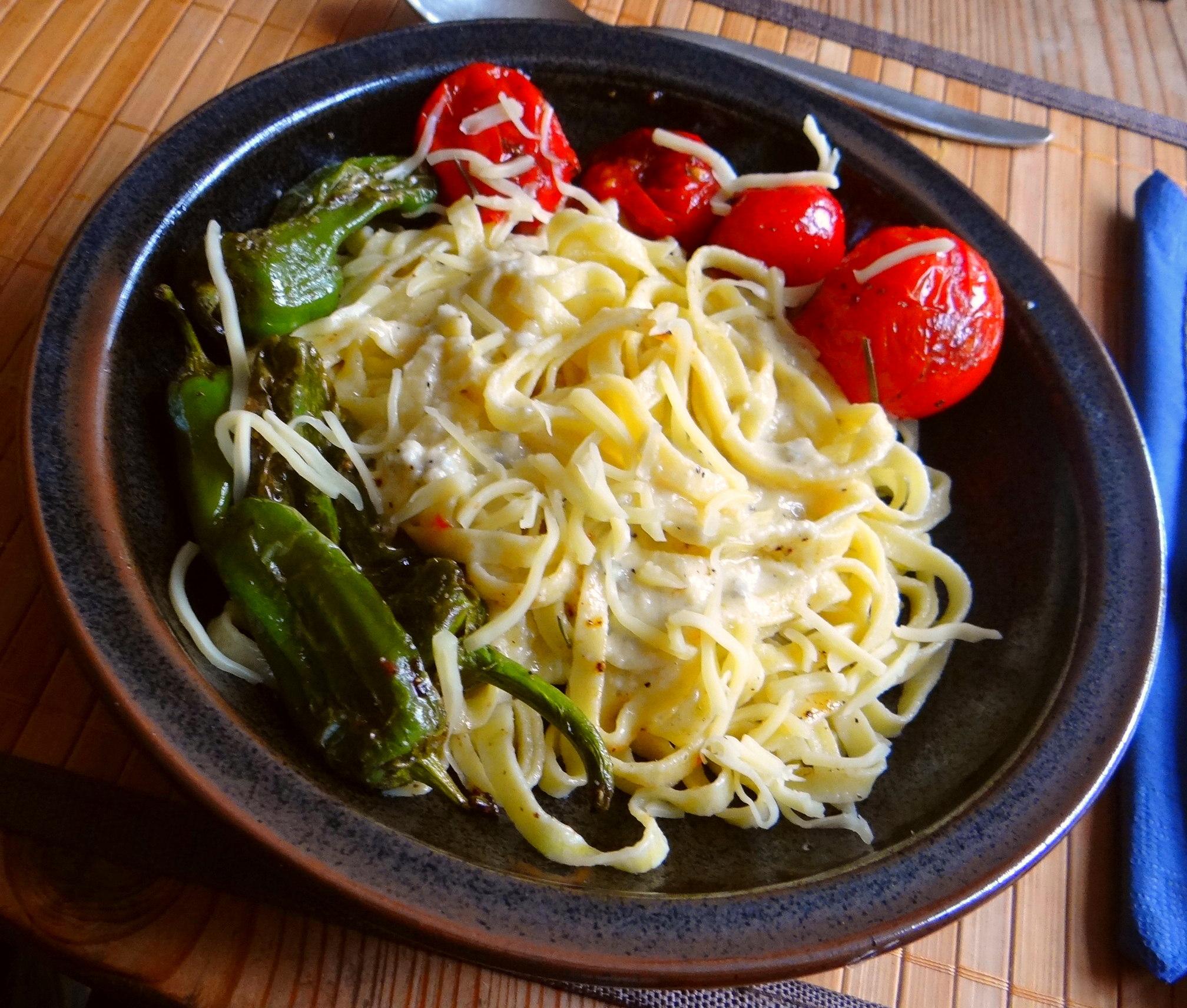 Selbstgemachte Nudeln,Gorgonzola Sauce 1 (14)