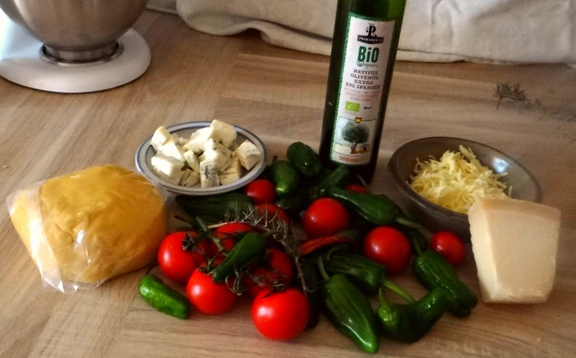 Selbstgemachte Nudeln,Gorgonzola Sauce 1 (4)