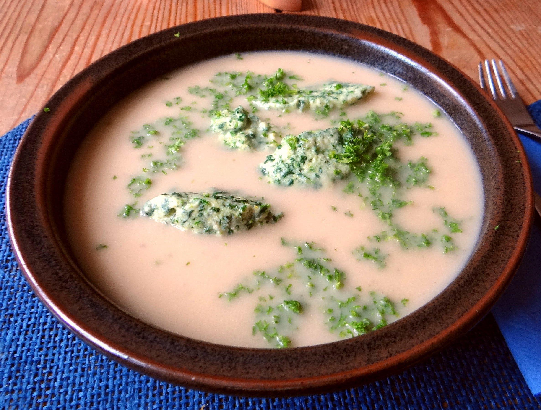 Sellerie-Apfelsuppe mit Ricotta-Spinatnocken (17).jpg