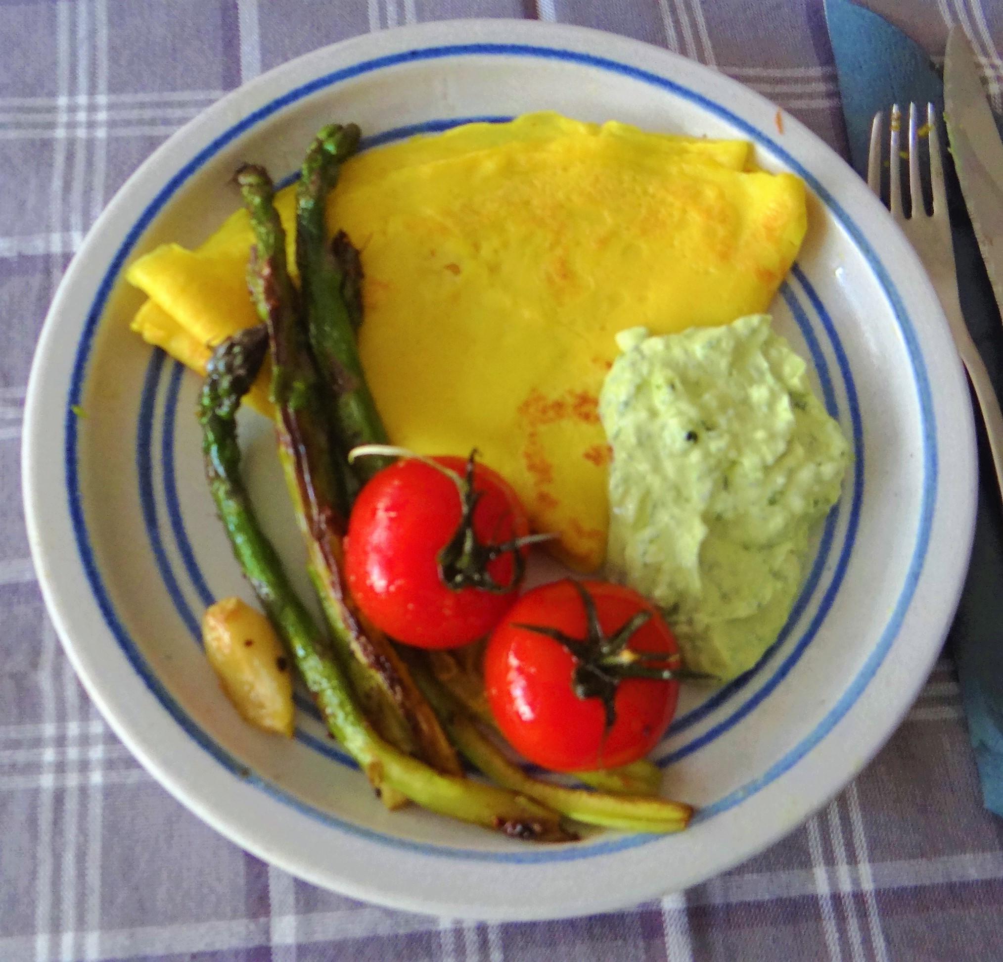 Eierpfannkuchen,Bärlauch Quark grüner Spargel (16)