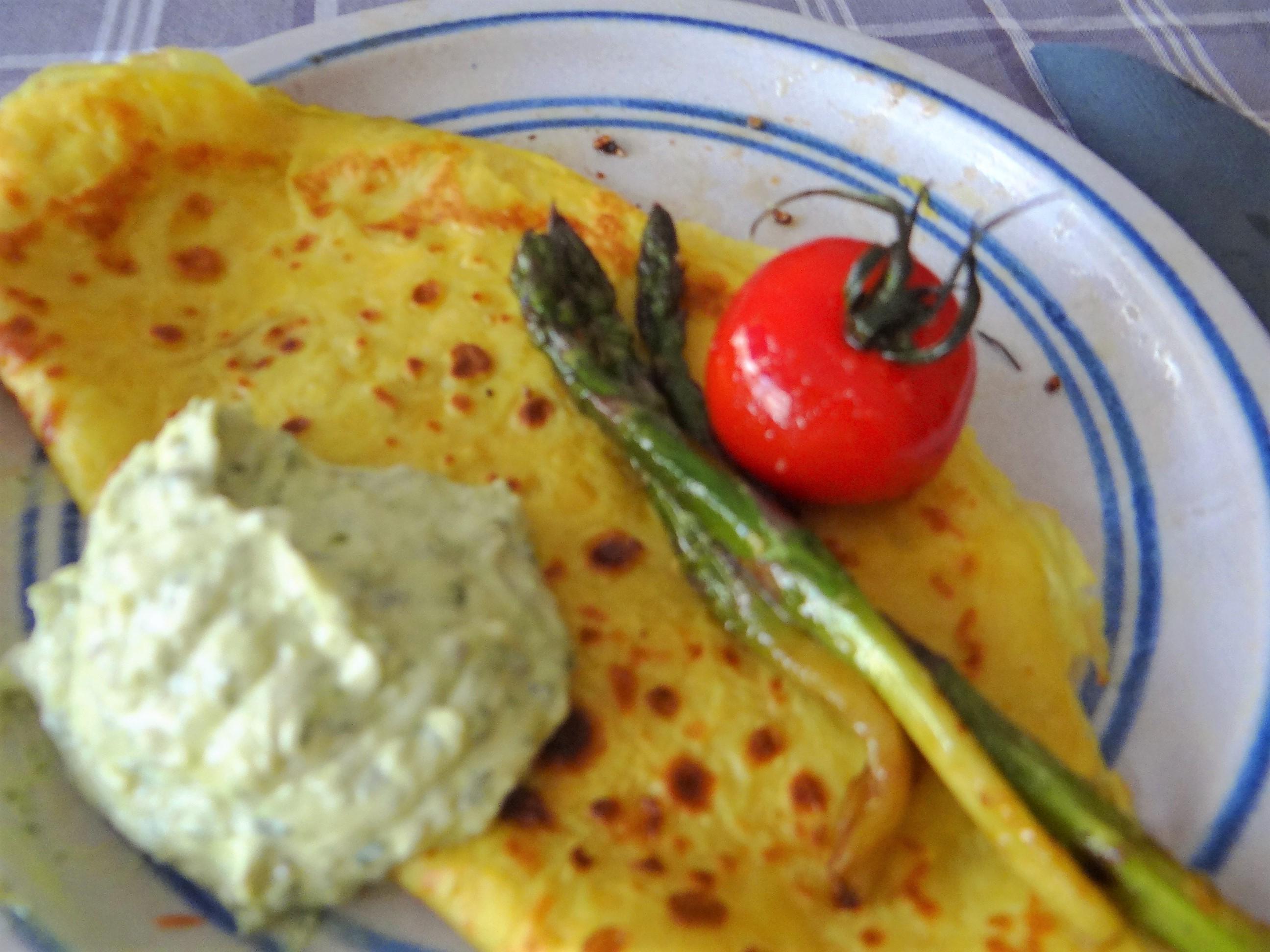 Eierpfannkuchen,Bärlauch Quark grüner Spargel (3)