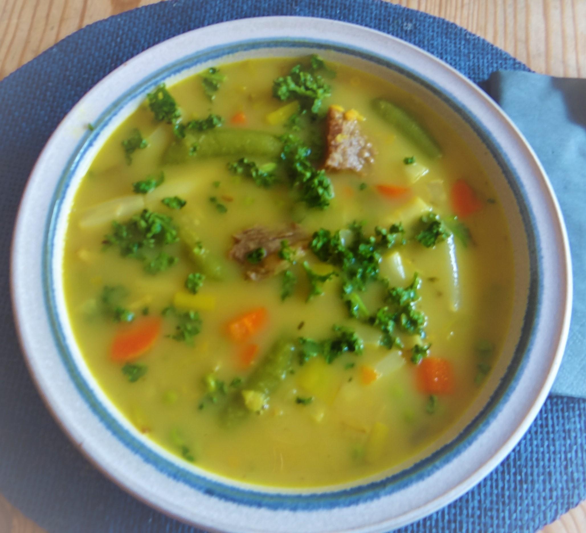 Gemüsesuppe mit roten Linsen (2)