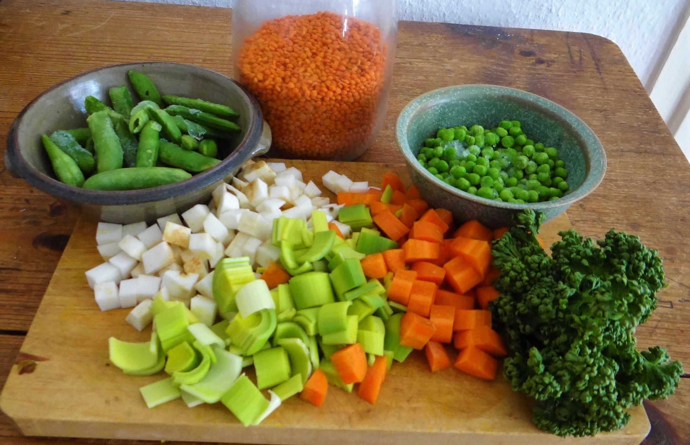 Gemüsesuppe mit roten Linsen (5)