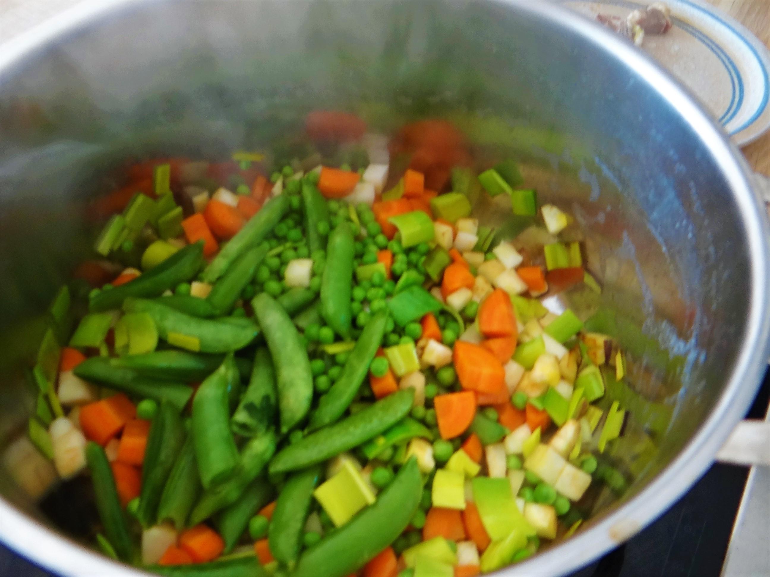 Gemüsesuppe mit roten Linsen (7)