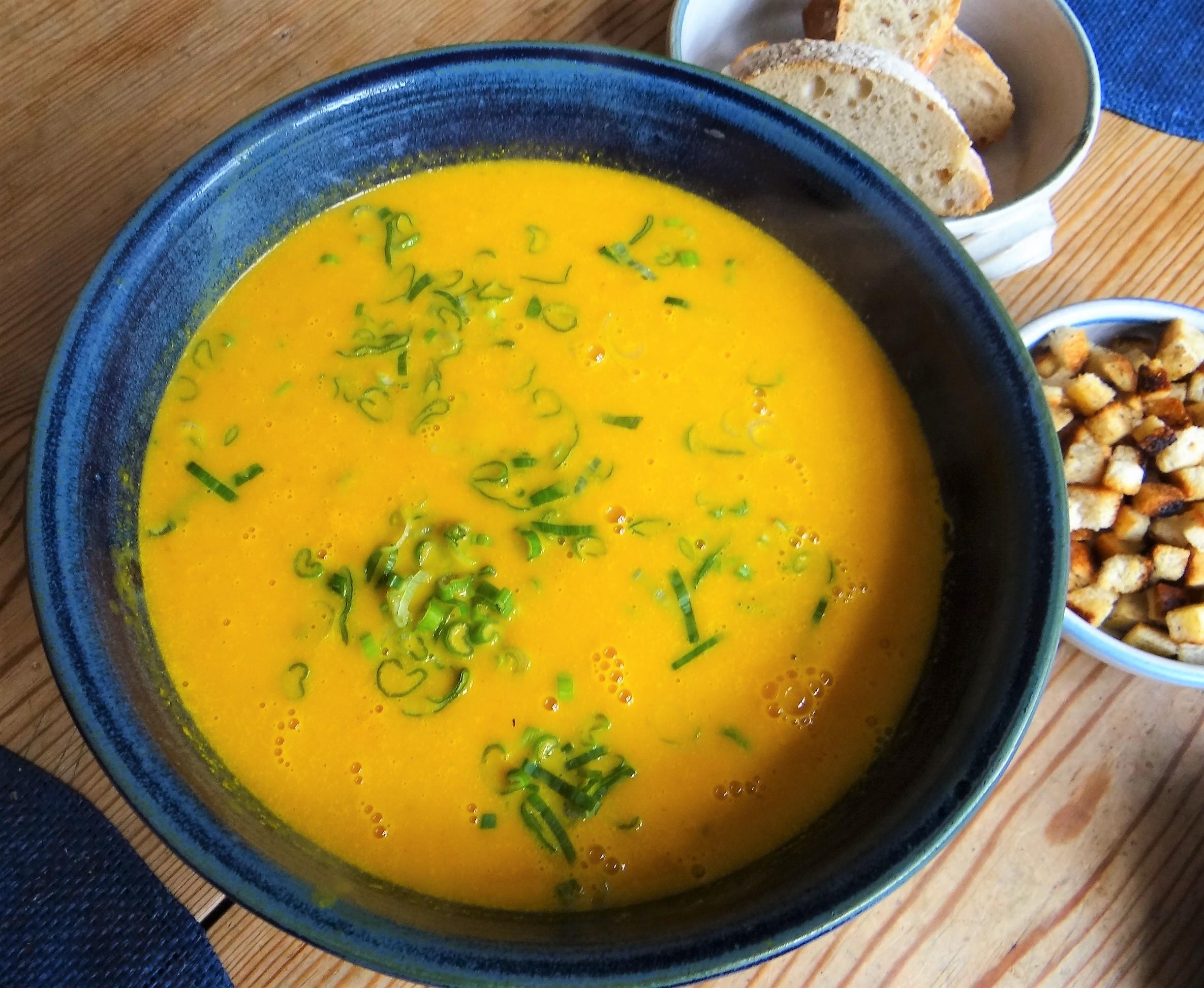 Möhrensuppe,Birnen Dessert (11)