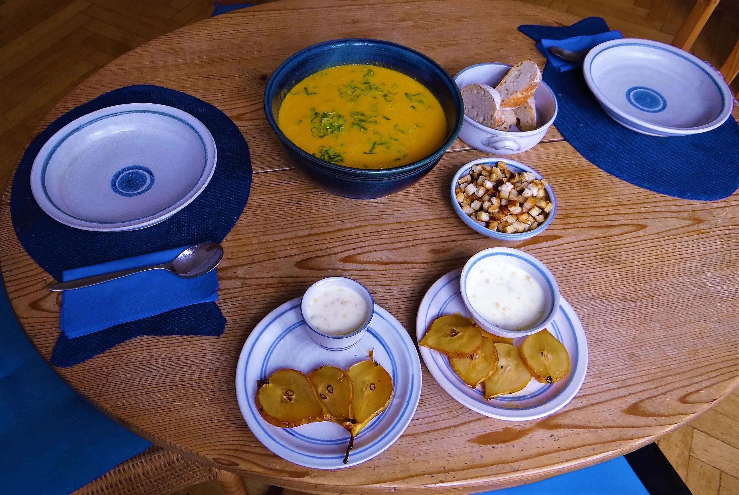 Möhrensuppe,Birnen Dessert (12)