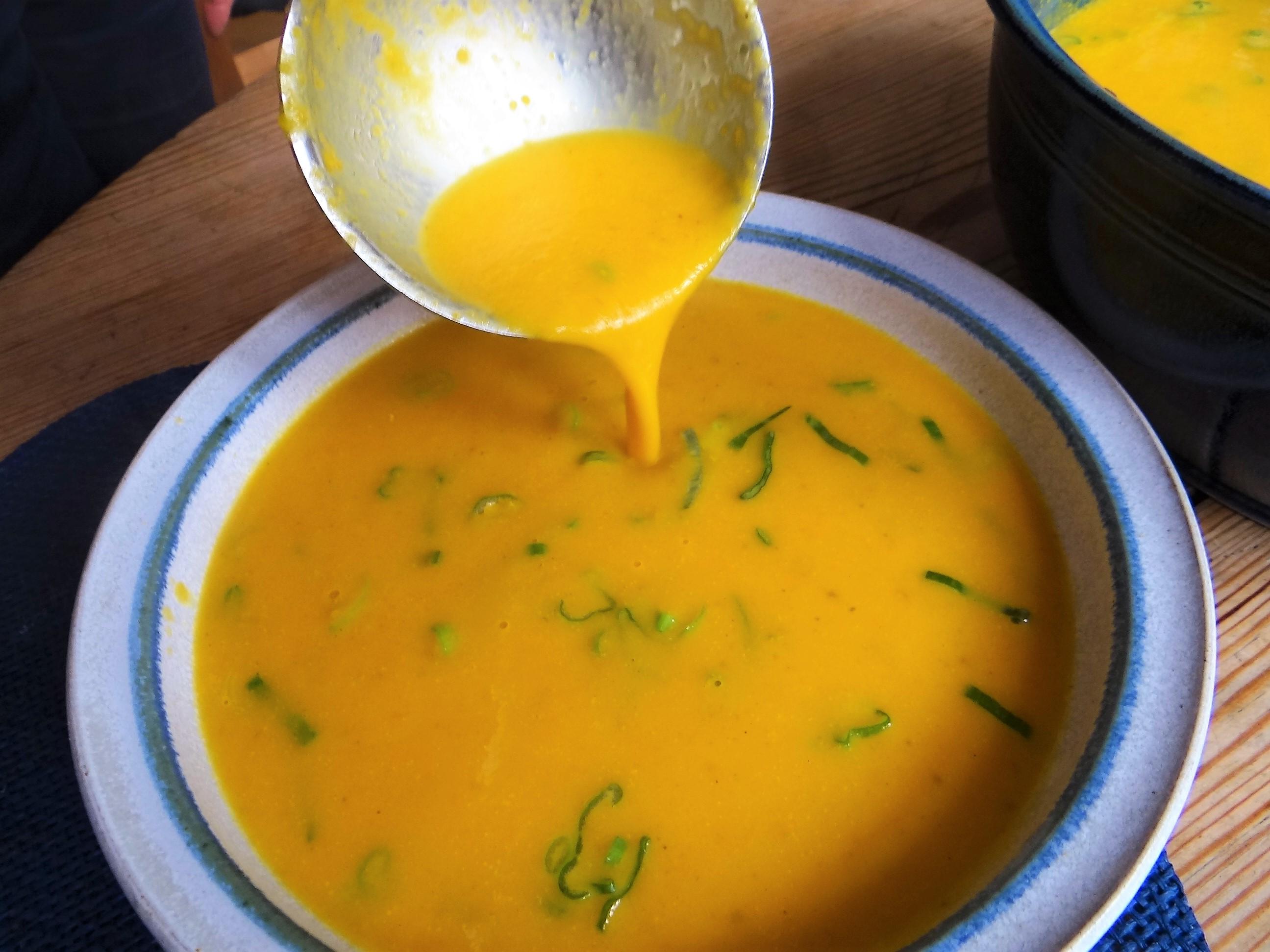 Möhrensuppe,Birnen Dessert (14)