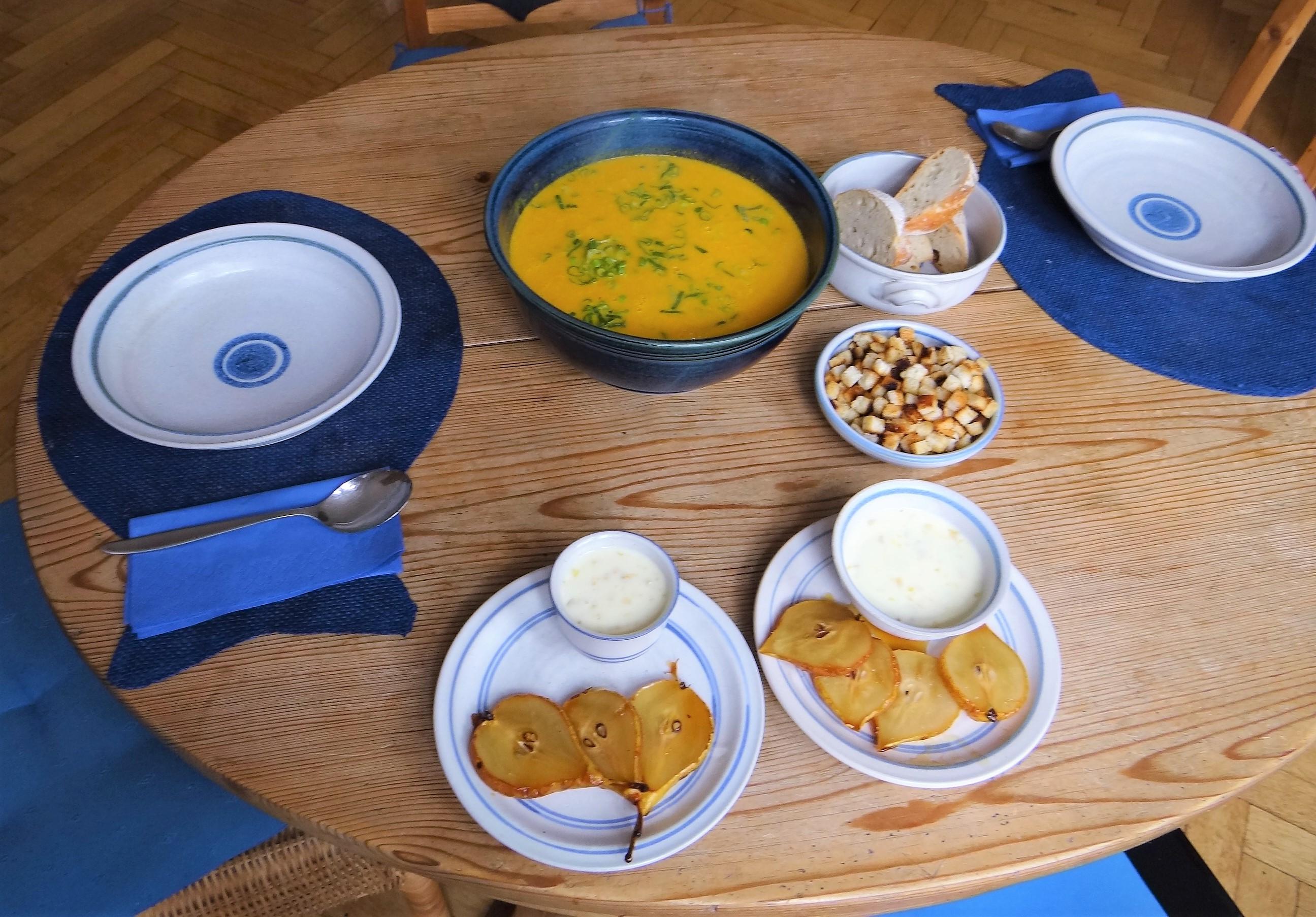 Möhrensuppe,Birnen Dessert (5)