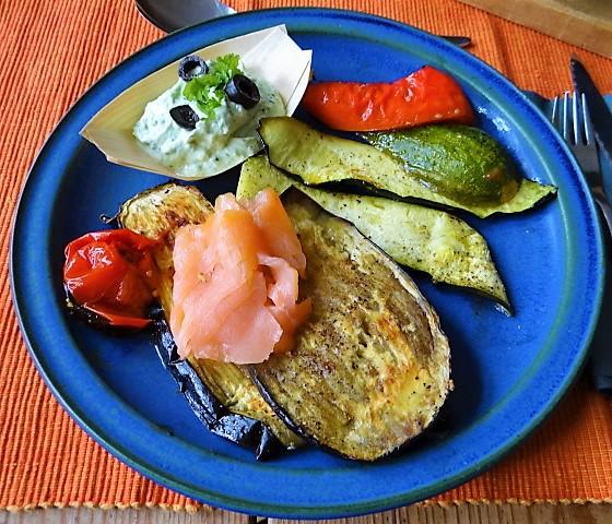 Ofengemüse,geräucherter Lachs,Bärlauch Dip (2)