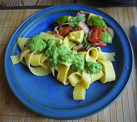 Tomaten Avocado Salat mit (2)