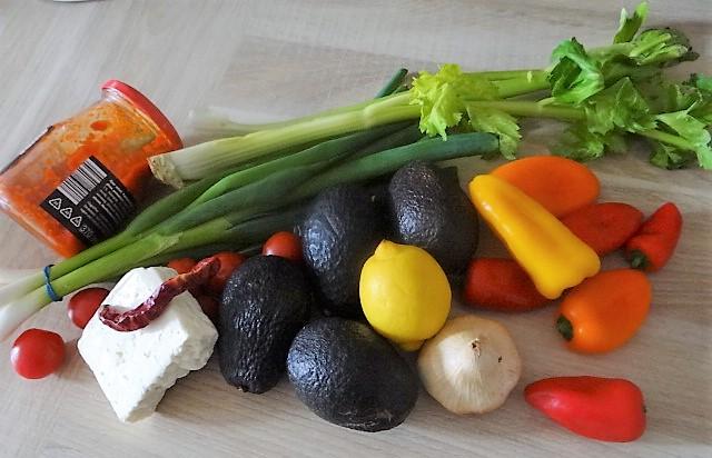 Kartoffel Zoodles, Gemüse im Gärkorb, Ajvar Feta Creme, Guacamole (6).JPG