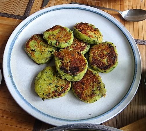 Gebratenes Gemüse mit gebackenem Feta und Kartöffeltaler (5)