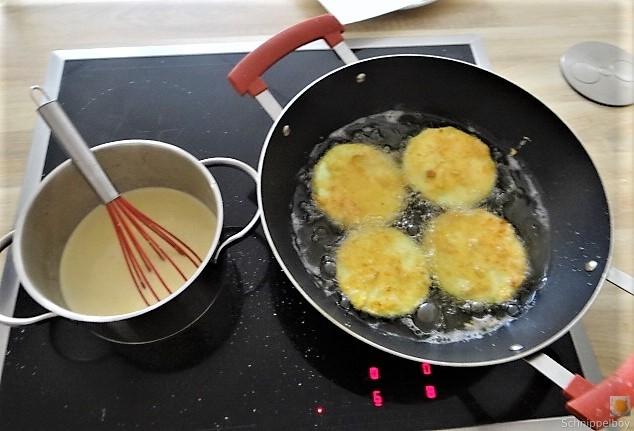 Frittierte Zucchini mit Gorgonzolasauce (20)
