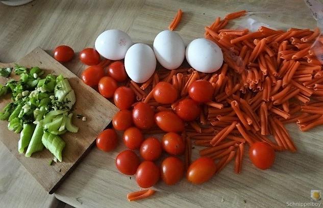 Linsennudeln, Tomaten mit Rührei (1)