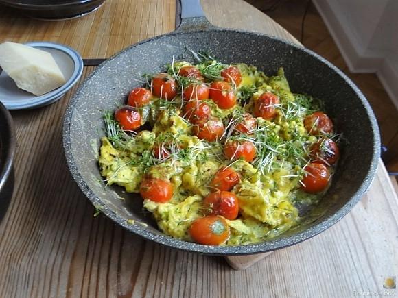 Linsennudeln, Tomaten mit Rührei (10)