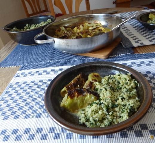 Orientalische Spitzkohlröllchen, Bulgur mit Brennessel und Löwenzahn (4)