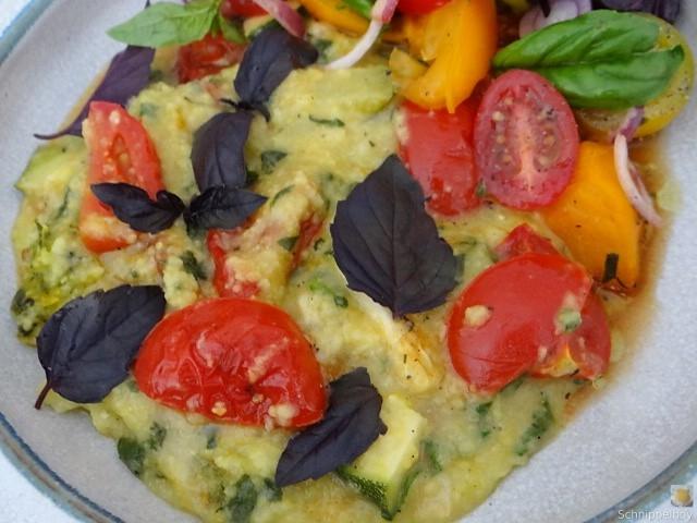 Polenta mit Babyspinat und Tomaten (3)