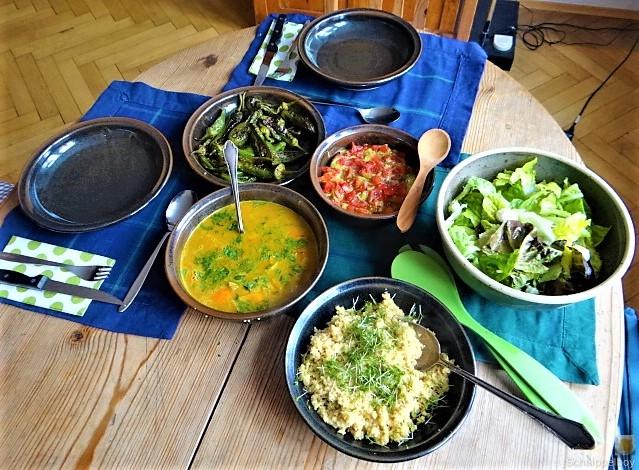 Kürbiscurry,Couscous, Guacamole,Salat (6)