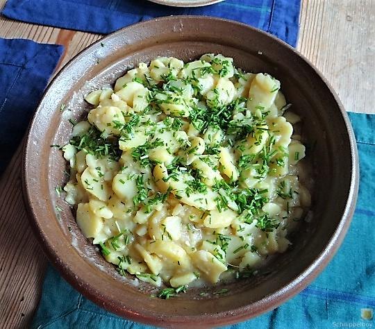 Kartoffelsalat mit frisch geräucherter Forelle (10)