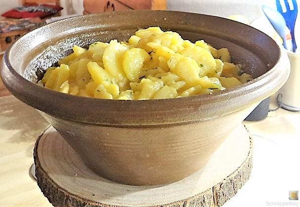 Kartoffelsalat mit frisch geräucherter Forelle (9)