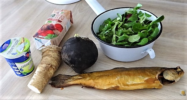 Kartoffel-Rote Bete Brei,Forelle,Makrele,Meerrettich Dip, Salate (9).JPG