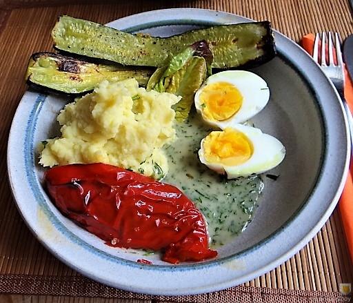 Eier in Kräutersauce (3)