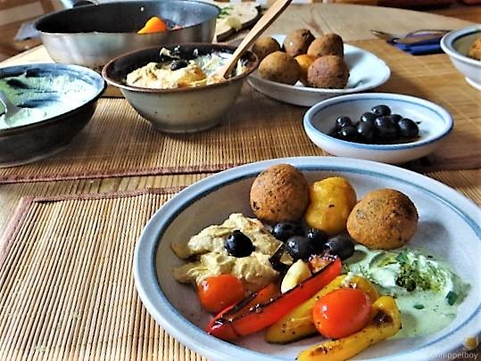 Falafel, Hummus, Gemüse, (20)