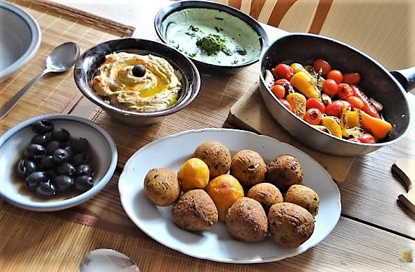 Falafel, Hummus, Gemüse, (6)