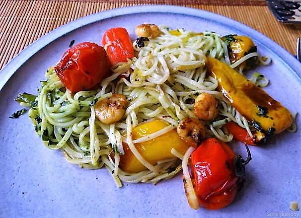 Nudeln mit Paprika und Tomaten (17)