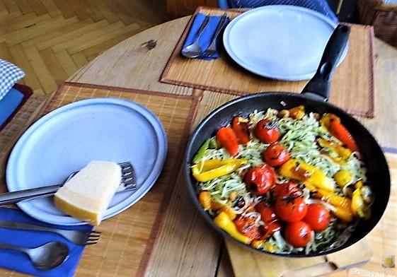 Nudeln mit Paprika und Tomaten (6)